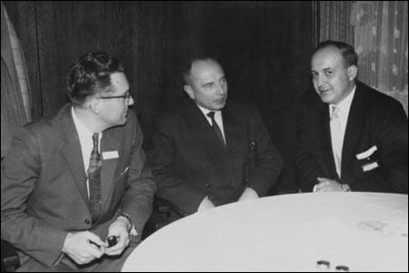 Провідник ОУН Степан Бандера (в центрі), 27 листопада 1958 року
